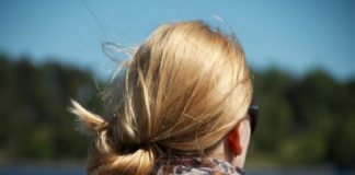 Jak se starat o suché vlasy